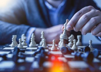 Thinking Strategically 101: How to Create an Effective Strategy